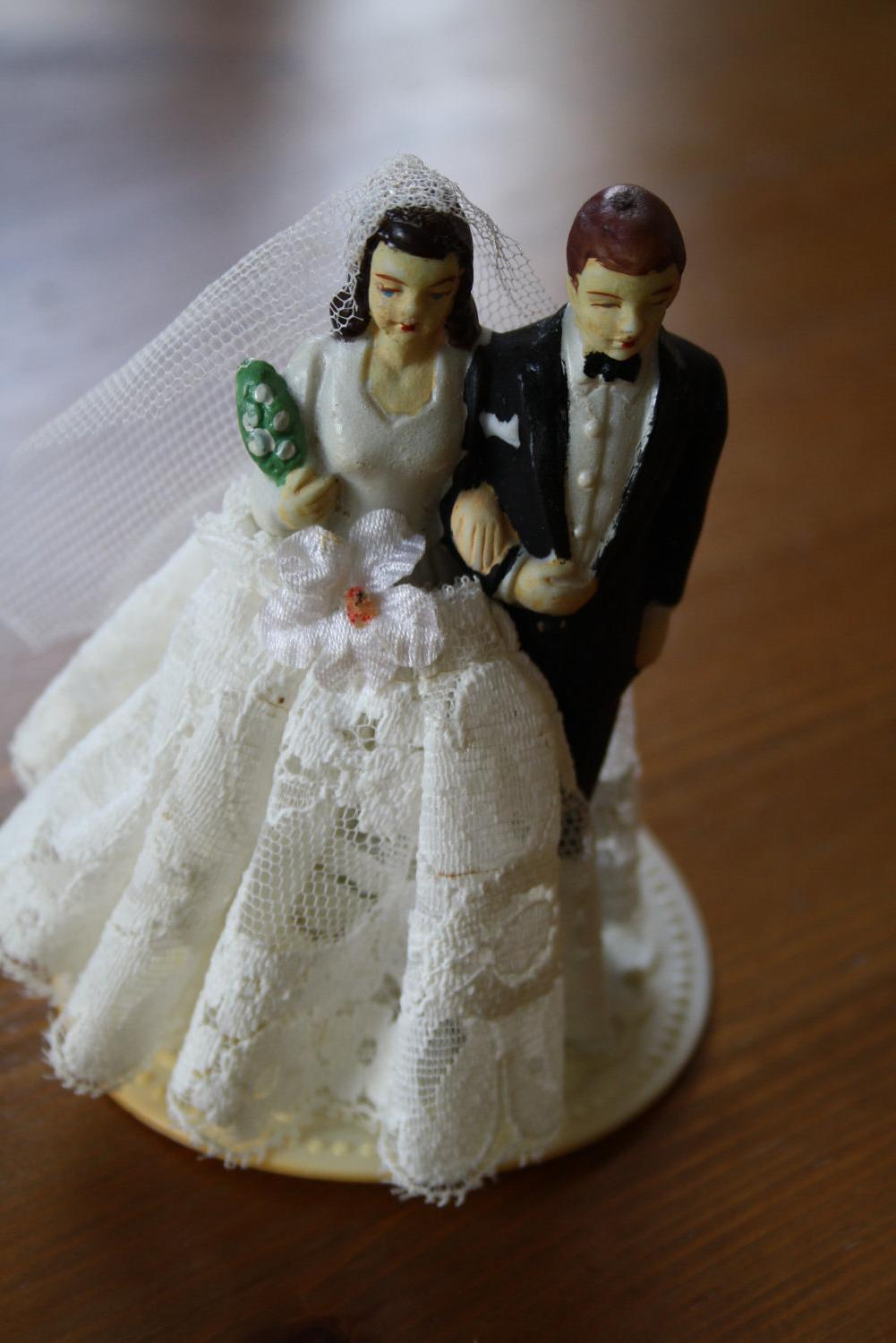1950s wedding cake topper