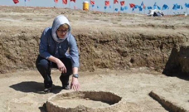 Iraq: Archaeologists defy ISIS militants in Iraq