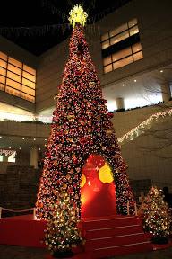東京オペラシティのクリスマスイルミネーション2012と心ないご高齢の皆様