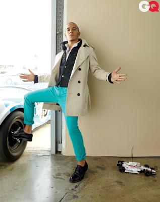 фотосессия Льюиса Хэмилтона в бирюзовых штанах для журнала GQ Magazine за январь 2012