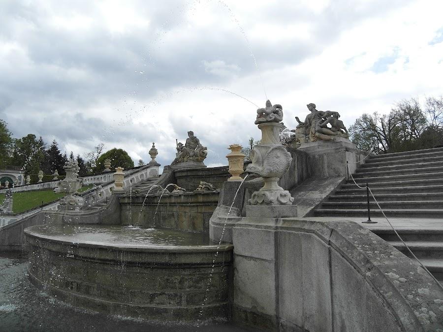 4-каскадный фонтан в парке Крумлов