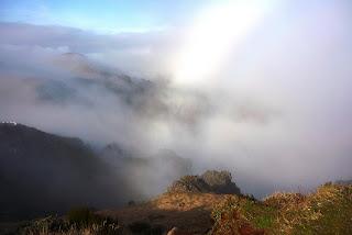 Départ de Pico de Arieiro. Le temps se gâte.