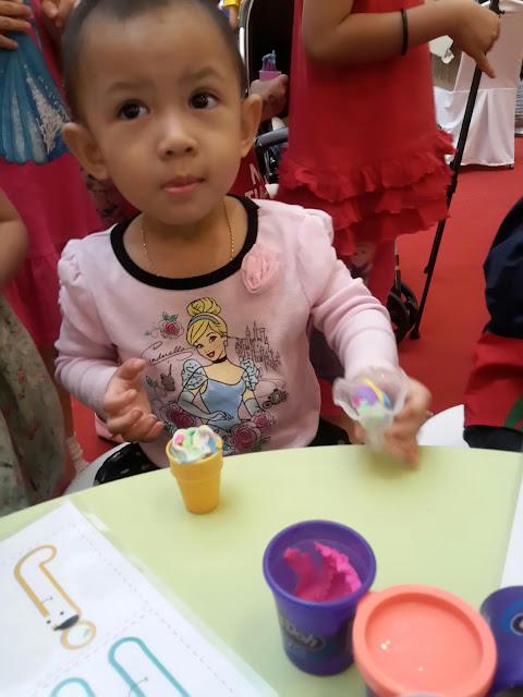 """Kepelbagaian Komuniti"""" untuk The Malaysia Book of Records, Sahut Cabaran Mencipta dan Mereka Bentuk PLAY-DOH®"""