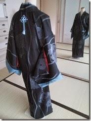 組紐をコートに付けて (4)