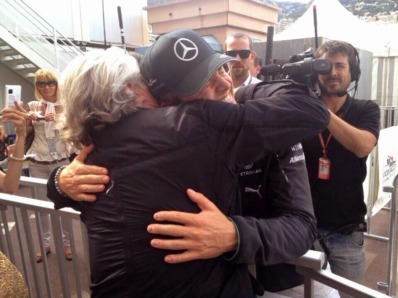 обнимашки Кеке и Нико Росбергов на Гран-при Монако 2014