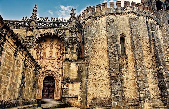 Fachada principal del Convento de Crito en Tomar - Historiadelascivilizaciones.com
