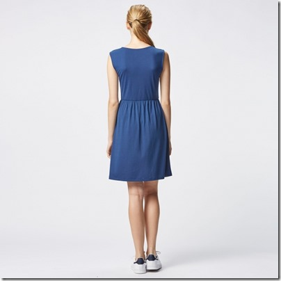 UNIQLO Flare Sleeveless Dress 01