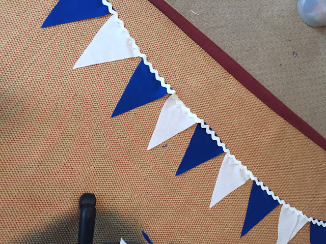 blue and white photo booth,  BYU party, banner tutorial