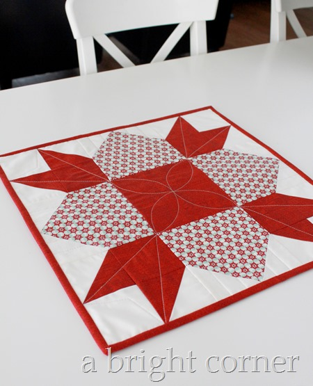 Christmas table topper tutorial