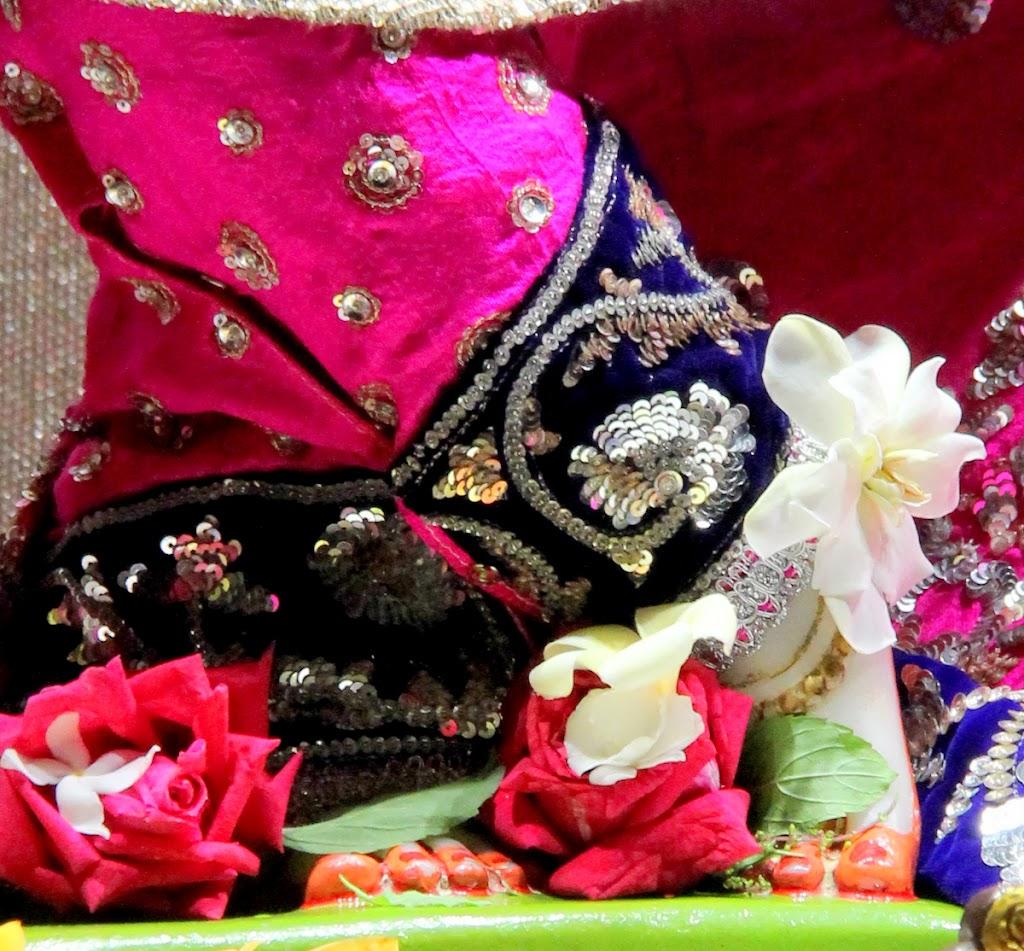 ISKCON Juhu Mangal Deity Darshan 14 Jan 2016 (4)