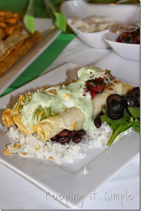 #ad Delimex-taco-bar-with-pico-de-gallo-and-cilantro-ranch-dressing #DelimexFiesta (16)