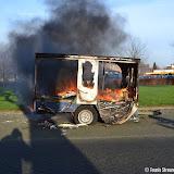 Aanhanger brandt uit op parkeerplaats de Helling - Foto's Teunis Streunding