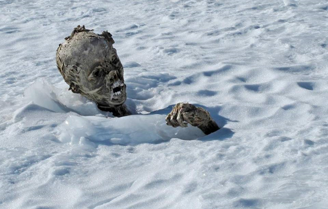 A mummified body photographed on 5 March 2015 is the body of a man discovered by Mexican alpinists on Pico de Orizaba, Mexico. Ice melting on the mountain caused by global warming exposed the mummy. Photo: EPA / EFE