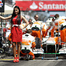 F1 gridgirl for Di Resta