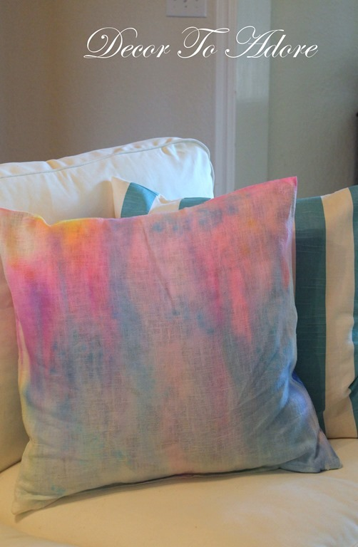 DTA Watercolor Pillows 039-001