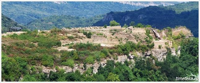 Раскопки на холме Трапезица