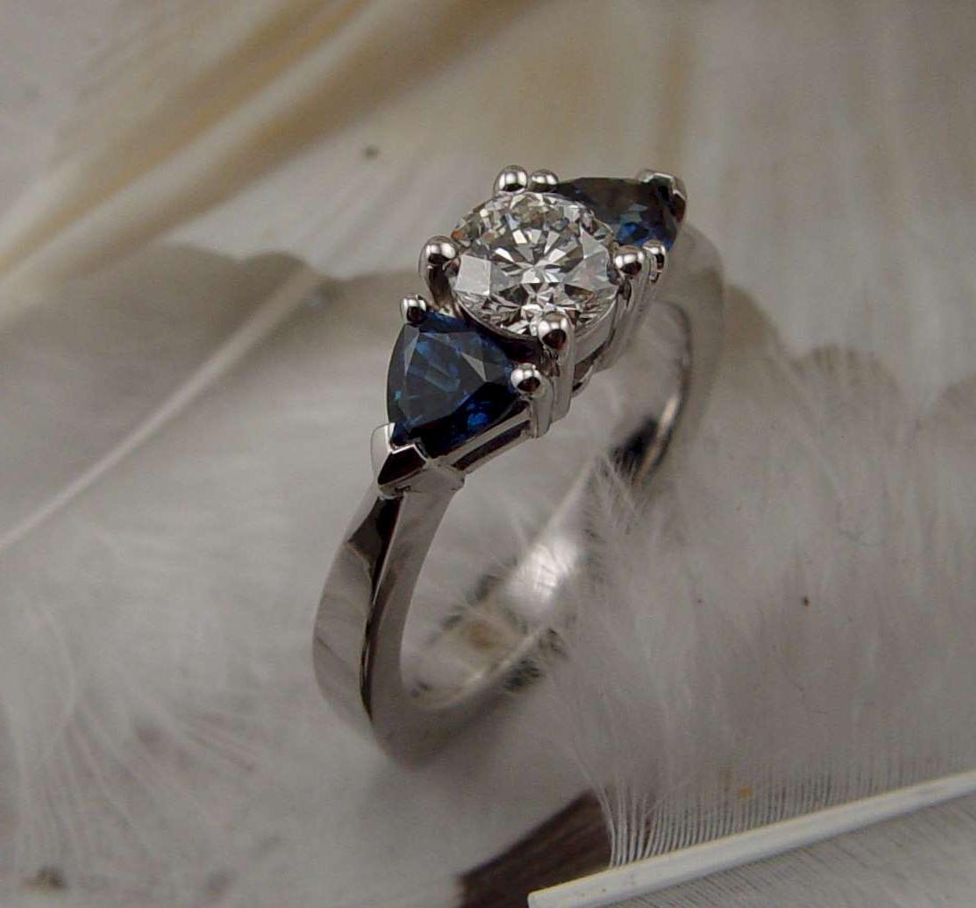 FUR13; 2 blue sapphires
