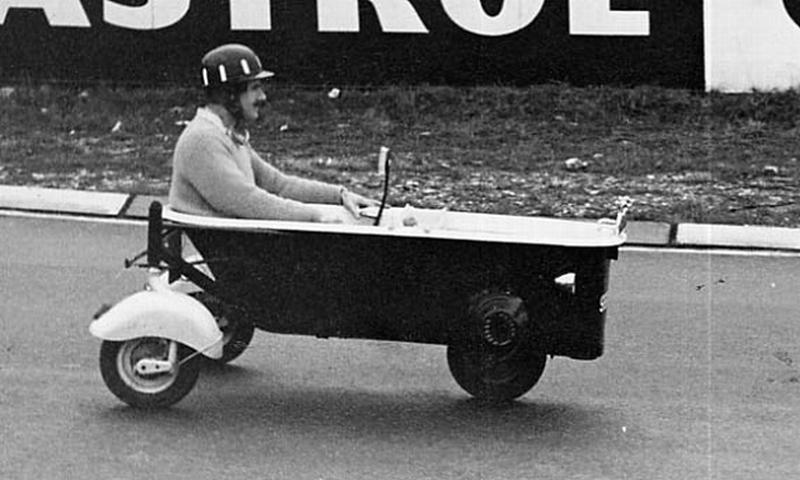 Грэм Хилл за рулем гоночной ванны Bathtub на Нюрбургринге на Гран-при Германии 1962