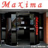 Kledingbank Maxima Veendam ook voor minima uit Pekela - Foto's Harry Wolterman