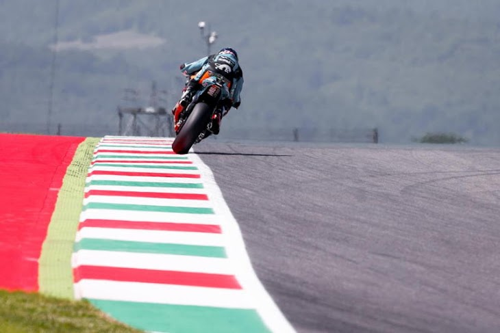 moto2-qp-2015mugello-gpone.jpg