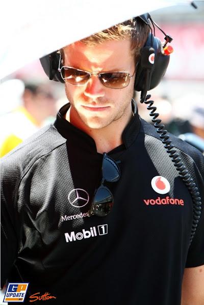 механик McLaren на Гран-при Испании 2011