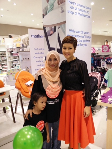 Mommy bersama Yasmin Hani