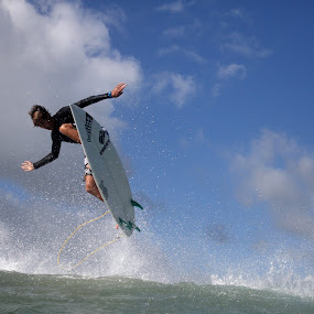 Alley oop! by Lorne Greenlaw - Sports & Fitness Surfing