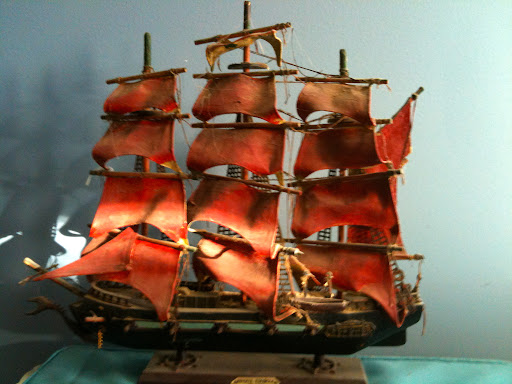 "Wood ship ""Fragata Espanola ano 1780"", 15.5"" T, $10"
