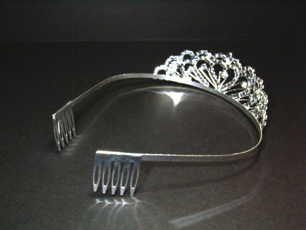 This is a lovely Crown Clear Rhinestone Crystal Tiara Bridal Wedding Comb.