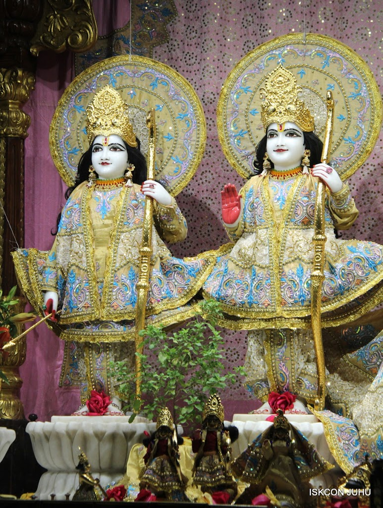 ISKCON Juhu Mangal deity Darshan 09 Feb 16 (10)
