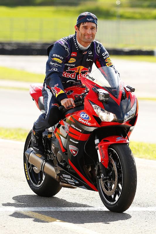 Марк Уэббер катается на Honda CBR1000RR на фестивале Top Gear в Сиднее 10 марта 2013