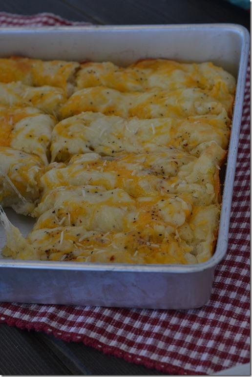 Italian-Cheesy-Bread (1)