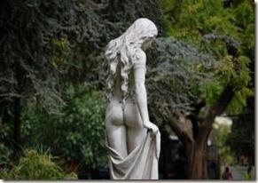 estatua-de-mulher bunda