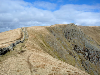 The Straits of Riggindale to Twopenny Crag.