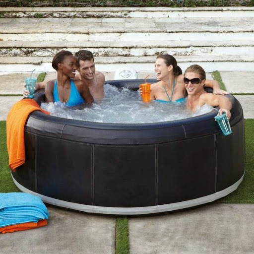 Many-people-have-made-fun-of-portable-hot-tub-with-a-round-shape-out