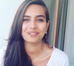 Biodata Lengkap Amine Gulse Pemeran Film Antara Nur dan Dia