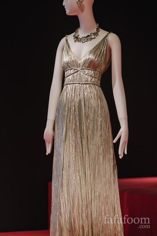 Details of Oscar de la Renta, Evening dress, Pre-Fall 2012.