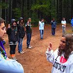 Nisa recita su promesa scout