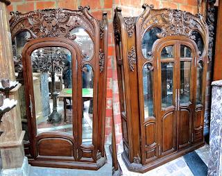 Пара антикварных шкафов. 19-й век. Платяной и книжный шкаф. 140/45/200 см. 17000 евро