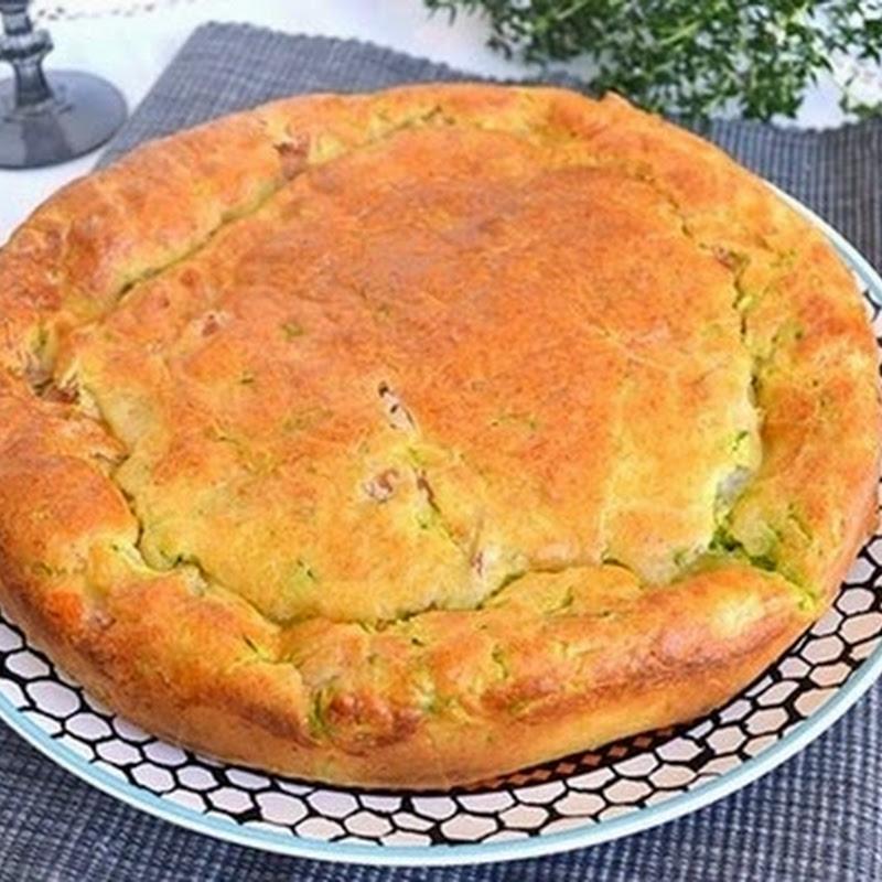 Πίτα με κολοκυθάκια ζαμπόν και τυρί
