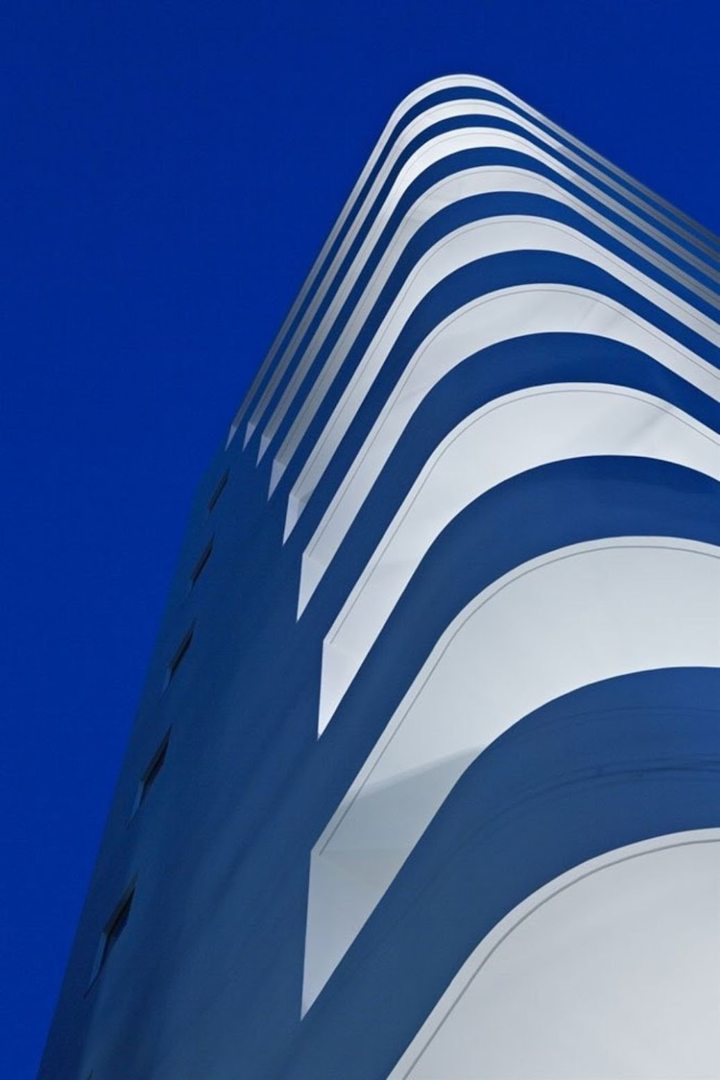 Osaka, Prefettura di Osaka, Giappone: [STEP TOWER BY EASTERN DESIGN OFFICE]