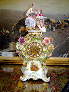 """Красивые часы из фарфора марки """"МЕЙСЕН"""" 19-й век. Высота 52 см. 5900 евро."""