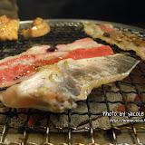 台灣朋友為我們點的「魚下巴」。他自己不吃魚,怕腥,但其他人都說這個特別好吃,叫我們嚐嚐。