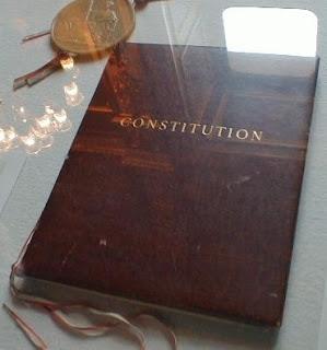 194 Constitutions analysées : nous serons bientôt le pays le plus discriminant au monde envers ses binationaux