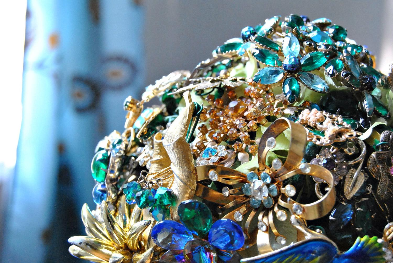 Bridal Vintage Brooch Bouquet