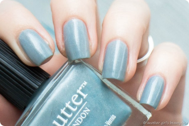 LFB Lady Muck Taubenblau Blaugrau Butter London Swatch-3
