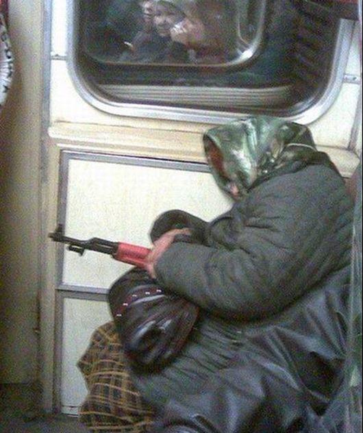 1250800809_kadry-v-metro-(www.votrube.ru)5