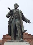Familistère : statue de Jean-Baptiste André Godin