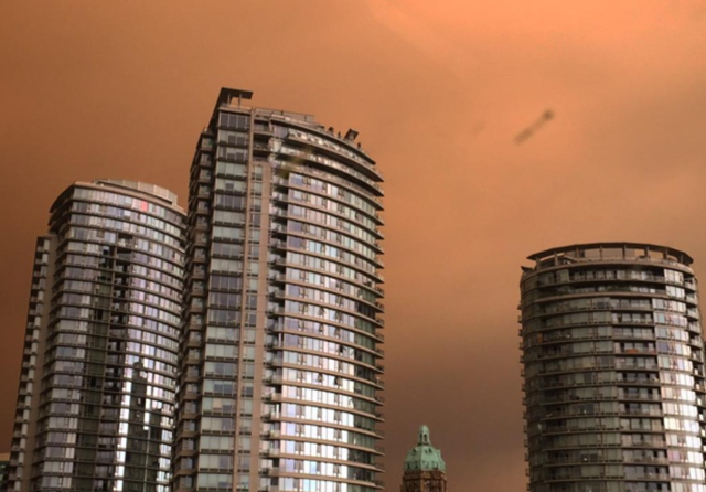 CBC's Rafferty Baker took this hazy shot of Vancouver's smoke-filled skies on the night of 4 July 2015. Photo: Rafferty Baker / CBC