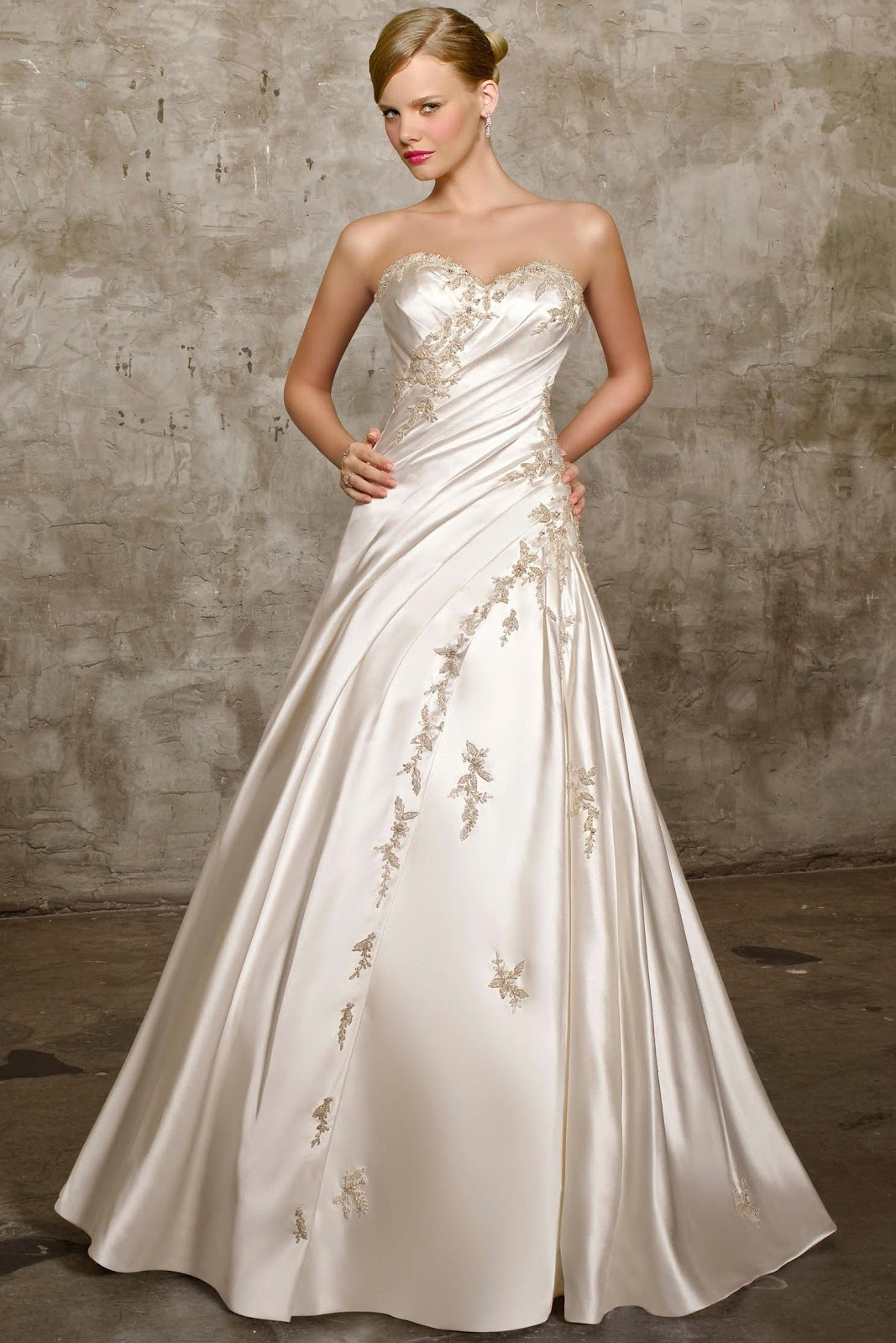 A-Line 2012 Wedding Gown.